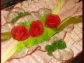 wurstplatte-mit-rosen